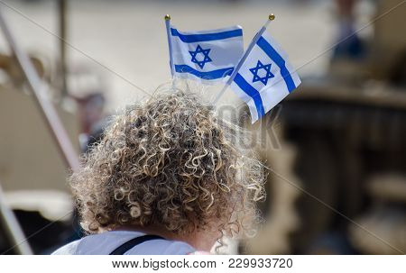 The Patriotic Woman With Israeli Flag On His Head Celebrate Israel Independence Day