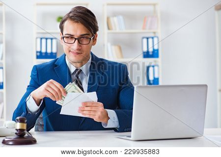 Lawyer receiving money as bribe