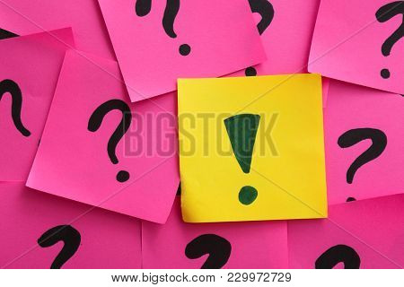 One sticky note with exclamation mark among others. Difference and uniqueness concept