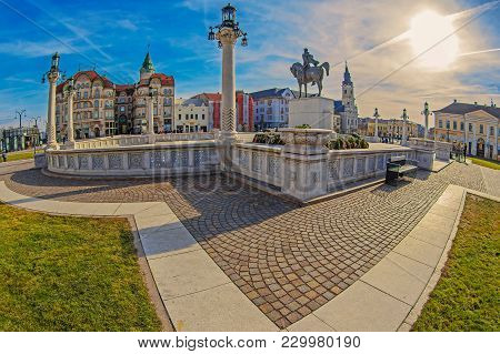 Oradea, Romania - January 27, 2018: The Union Square With Statue Of Michael The Brave And Historical