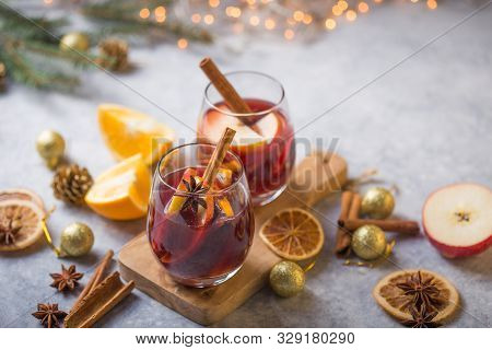 Mulled Wine, Christmas Mulled Wine Delicious Holiday Like Parties With Orange Cinnamon Star Anise Sp