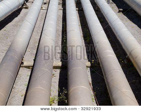 Instalación para la distribución de la tubería y de la fuente