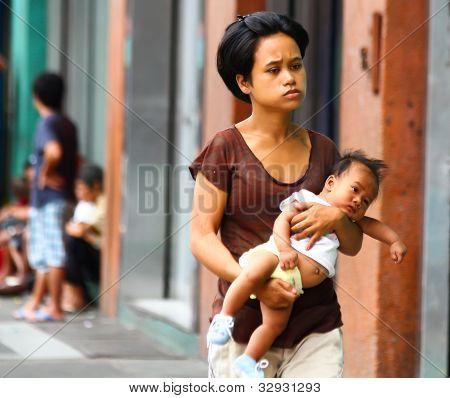 Single mom in Asia