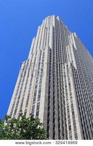 New York, Usa - July 5, 2013: Rockefeller Center Skyscraper In New York. Famous Building Complex Was