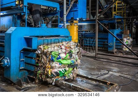 Equipment For Pressing Debris Sorting Material To Be Processed In Modern Waste Recycling Plant. Garb