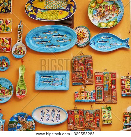 Vernazza, Italy- October 21, 2016: Traditional Colorful Wall Plates In Souvenir Shop In Vernazza, On