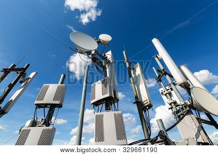 Metal Constructions For Telecommunication Data Equipment , Radio Panel Antennas, Outdoor Remote Radi