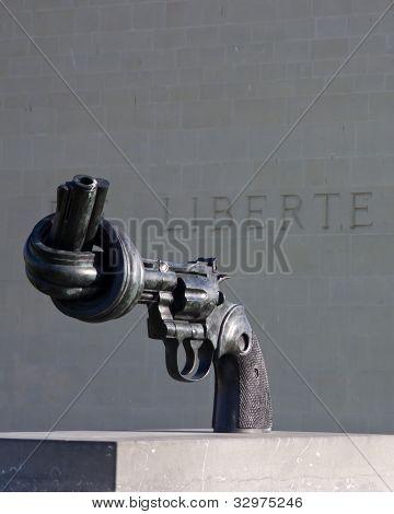 Non-violence replica statue