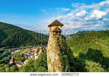 Orava Castle - Oravsky Hrad In Oravsky Podzamok In Slovakia. Top Part Of Medieval Fortress On Extrem