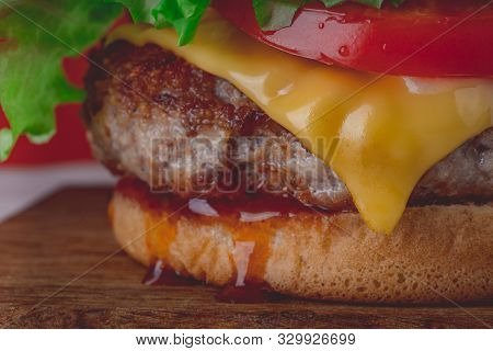 Hamburger Or Sandwich. Delicious Sandwich Hamburger With Meat, Cheese And Fresh Vegetable. Hamburger