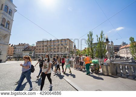 Ljubljana, Slovenia - June 15, 2021: Group Of Young Tourists, Youngsters, Teenagers, Male And Female