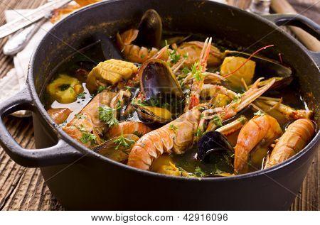 bouillabaisse in the pot