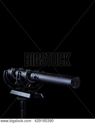 Vocal Sound Recording Studio Microphone. Condenser Mic With A Low Noise Level. Podcast Or Voice Reco