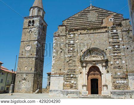 Crkva Sv Servula, St Servulus Church, In Trg Sv Servula Square In The Historic Medieval Village Of B