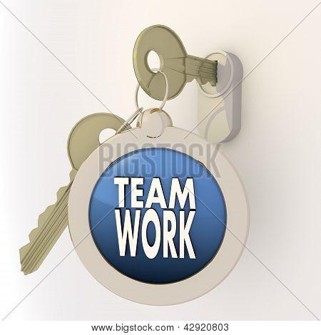 Locked unlocked Teamwork icon on key pendant