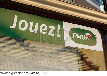 Perpignan , Occitanie France  - 06 25 2021 : Pmu Logo Brand And Text Sign Store French Agency For Ho