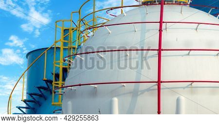 Industrial Gas Storage Tank. Lng Or Liquefied Natural Gas Storage Tank. Spherical Gas Reservoirs In