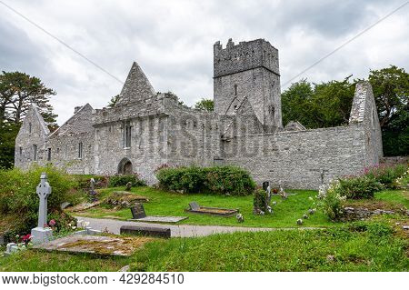 Killarney, Ireland- Jul 10, 2021: Muckross Abbey And Cemetery  In Killarney.
