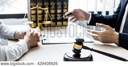 Counseling Lawyer And Check The Documentary Evidence Together, Which The Client Has Filed A Lawsuit