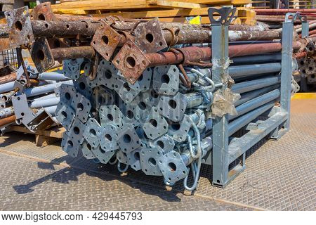 Equipment For Concrete Works. Metal Supports For Construction Formwork. Steel Rods For Formwork. Pip
