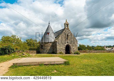 Castle Park Rochefort En Terre In The Medieval Village Of Rochefort-en-terre, Morbihan Department In