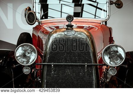 4 June 2019, Moscow, Russia: Front View Of Italian Car Fiat Valencia 1919. Classical Retro Cars Of 1