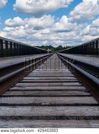 Mt Jewett, Pennsylvania, Usa August 3, 2021 The Walking Bridge At The Kinzua Bridge State Park, One