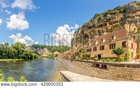 View At The Malartrie Castle In La Riew At The La Roque-gageac Village Located In The Dordogne Depar