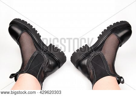 Stylish Semi-transparent Black Women's Mesh Boots With An Elastic Band And A Massive Sole On The Fee