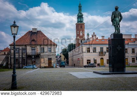 Radom, Poland - July 26, 2021: Old Town Market Square. The Monument Of Legions Act, A Tower Of Medie