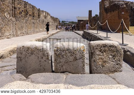 Pompeii, Naples - June 26, 2021: Ruins Of An Ancient City Destroyed By The Eruption Of The Volcano V