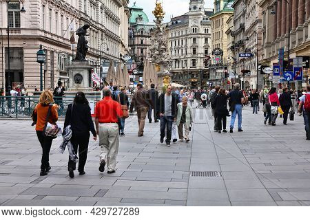 Vienna, Austria - September 8, 2011: People Visit Graben Street In Old Town Of Vienna, Austria. Hist