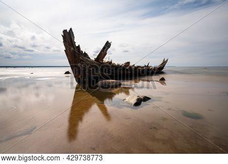 Loksa, Estonia - 8 August, 2021: Long Exposure View Of The Raketa Shipwreck In The Gulf Of Finland
