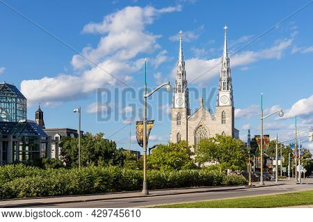 Ottawa, Canada - August 2, 2021: Notre-dame Cathedral Basilica In Downtown Of Ottawa, Canada On A Su