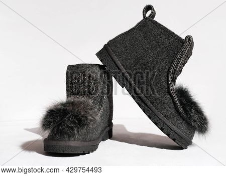 Valeshi, Russian Traditional Grey Felt Boots, Natural Felted Wool Boots For Cold Winter Weather. Tre