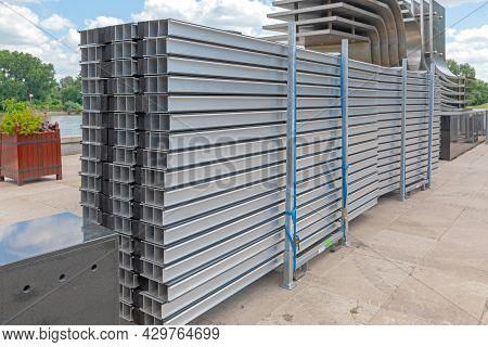 Aluminium Metal Modular Scaffolding Support Panels Packed