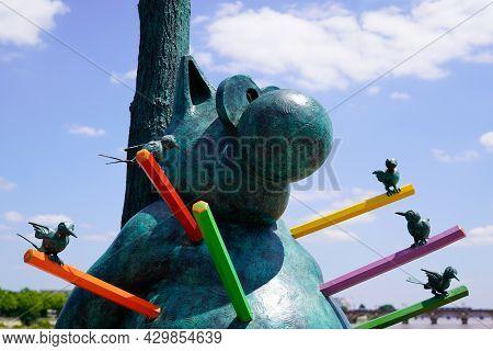 Bordeaux , Aquitaine France - 07 25 2021 : Sculpture Exhibition Le Chat Deambule The Cat Walks With