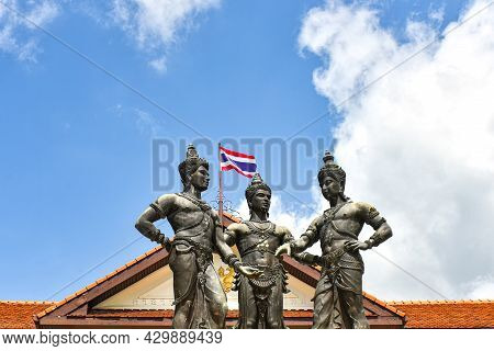Three Kings Monument Is A Sculpture Symbol Of Chiang Mai, Thailand. The Statues Of King Mengrai The