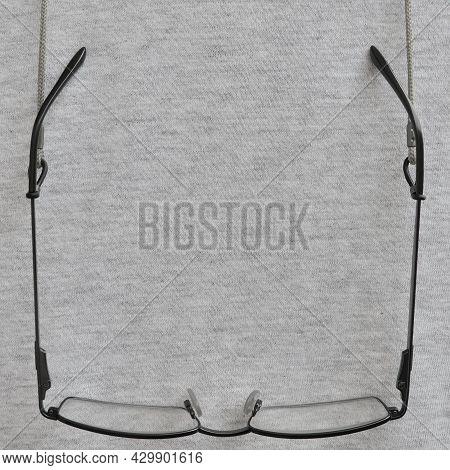 Black Reading Glasses, Grey Eyeglasses Straps Retainers, Hanging Readers Croakies, Light Gray Melang