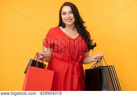 Shopaholic Lifestyle. Pleased Woman. Hot Sale. Black Friday. Cyber Monday. Beautiful Happy Plus Size