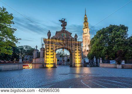 Brama Lubomirskich Gate Of  Jasna Gora Monastery At Dusk, Czestochowa, Poland