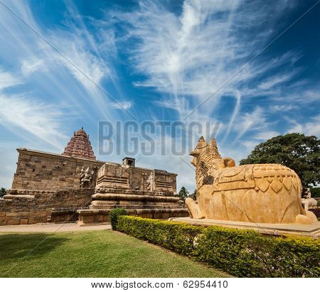 Hindu temple Gangai Konda Cholapuram with giant statue of bull Nandi. Tamil Nadu, India poster