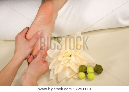 wellness composition - foot reflex zone massage