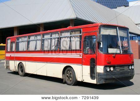 Ônibus vermelho