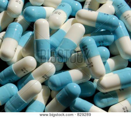 pillswhtblucu
