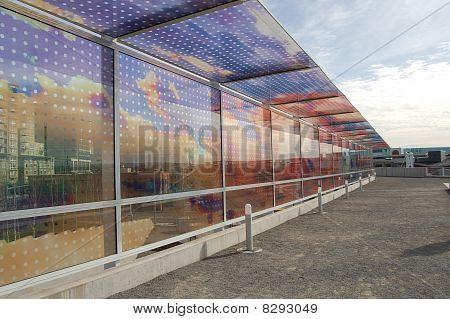Multi-Hued Reflectiv Wall