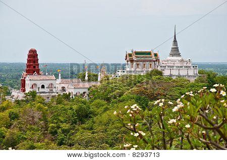 The Koh Wung Place At Petchaburi Province