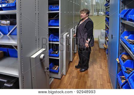 Tool Storeroom Mobile Shelving Systems On Rails