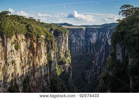 Itaimbezinho Canyon and Waterfall