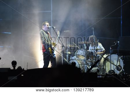 Sigur Ros Performs Live On The Stage